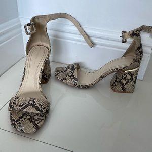 Snake heels bershka